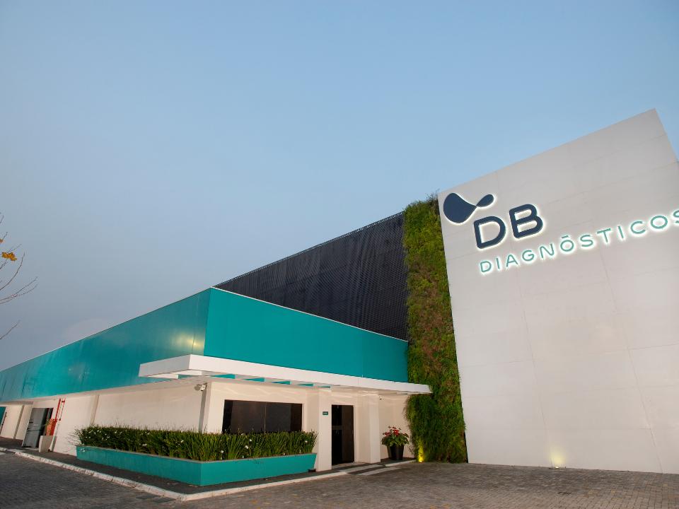 Com demanda elevada, Diagnósticos do Brasil anuncia investimentos no campo da Microbiologia